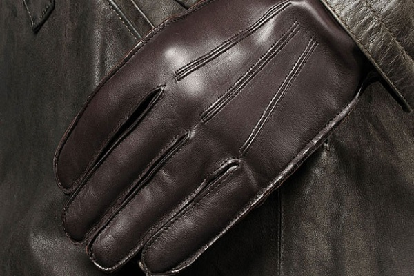 les gants en cuir nappa de john varvatos baxtton. Black Bedroom Furniture Sets. Home Design Ideas