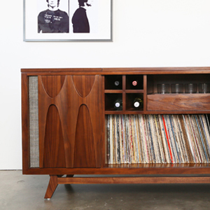 Luno EGB2 Record & Whiskey Console