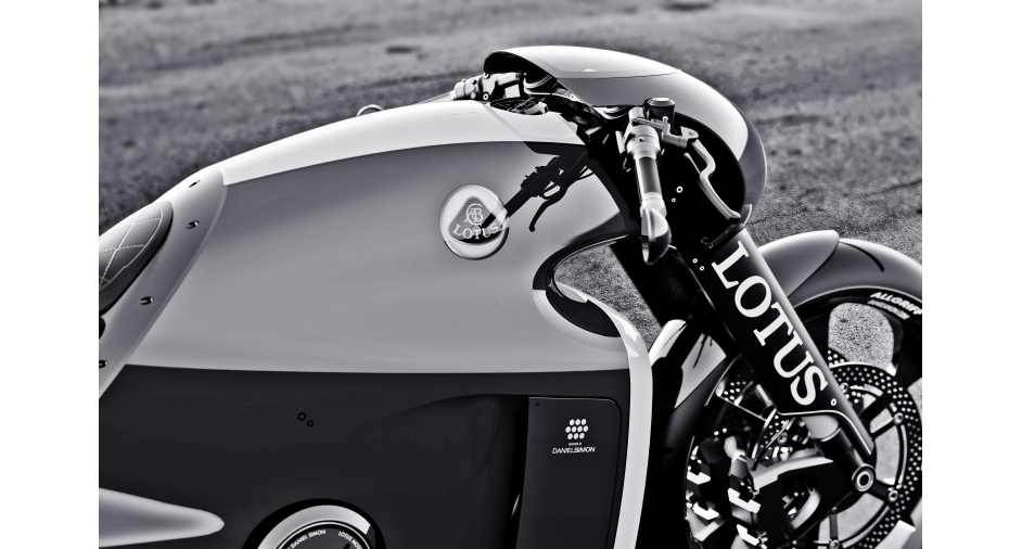 First-born – Lotus C-01 Motorcycle