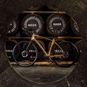 Vélo en bois de fûts de whisky Glenmorangie Original, par Renovo